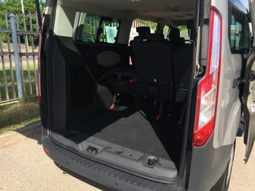 Nuomojamas mikroautobusas Ford Tourneo Custom 2017 bagažinė