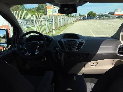 Nuomojamas mikroautobusas Ford Tourneo Custom 2017 panelė